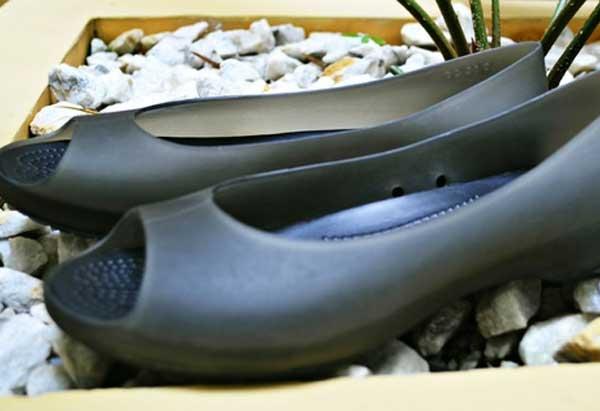 Fashionable Travel Shoes