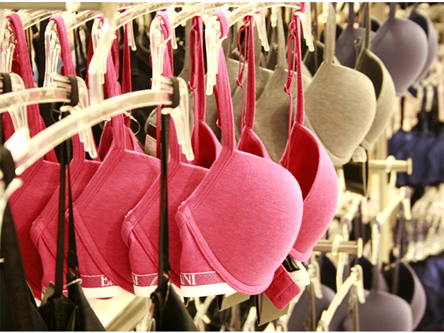 Choosing the Best Bra for Travel: 9 Expert Tips