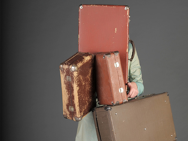 Carry On Luggage: Why You Should Avoid Regular Size Suitcases
