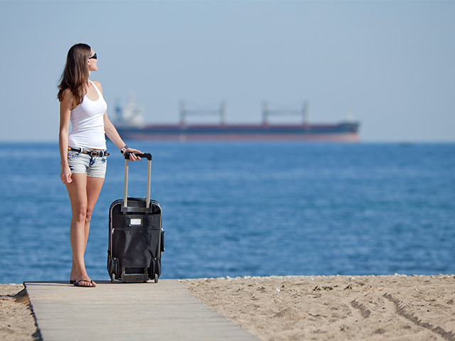 Packing Light: 5 Reasons to Travel with Carry-on Bags Only