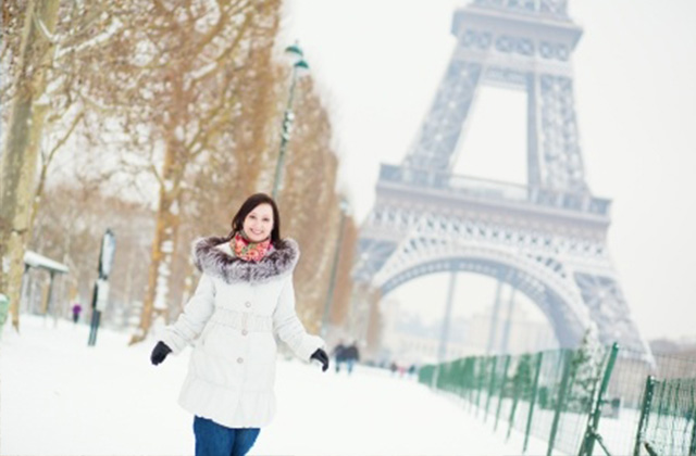 French Fashion Blogger Shows us What to Wear in Paris in Winter