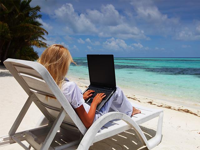 Travel Gadgets Packing List for Digital Nomads