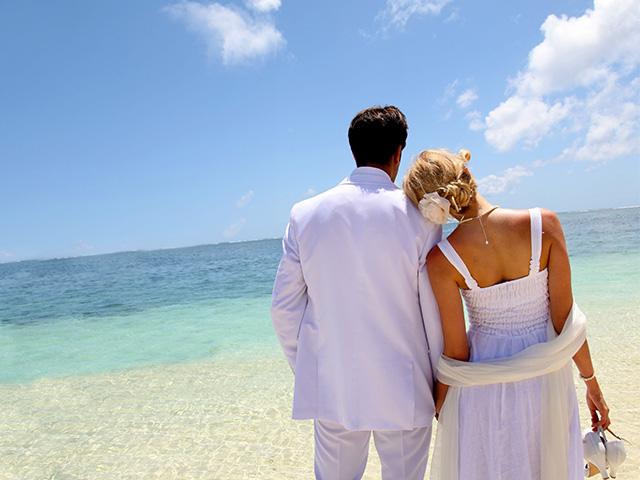 Destination Weddings: Bridal Party Clothing Tips