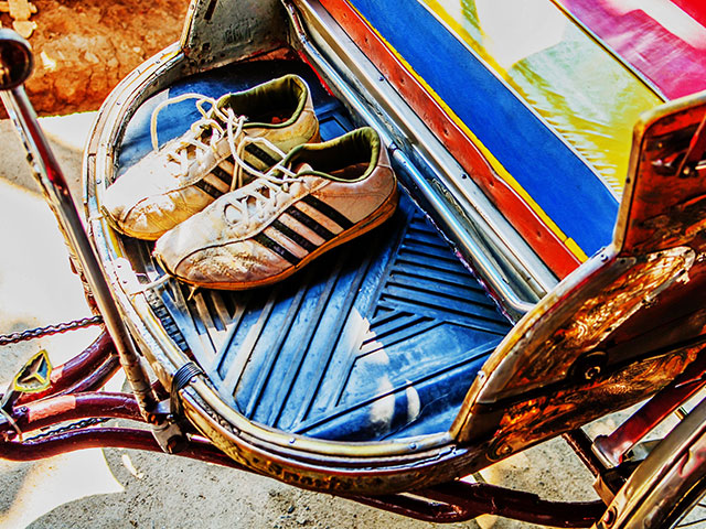 What Travel Shoes Should I Pack for a Round-the-World Trip?