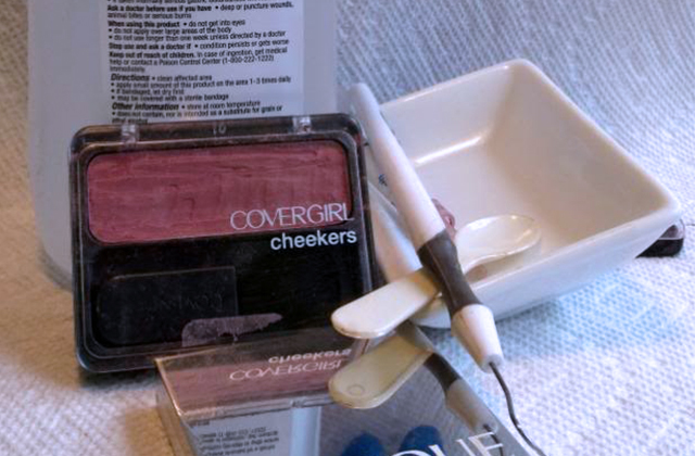 how to travel with makeup kit