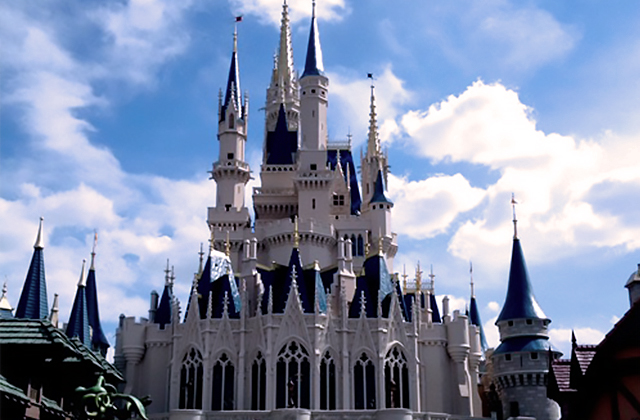 Disney World Packing List: Visit the Magic Kingdom in Comfort and Style