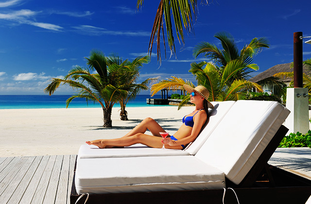 Luxury Vacations: 9 Packing Tips to Glam Up without Breaking the Bank