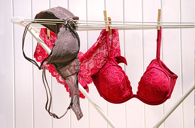 The Three Bras Every Woman Should Pack When Traveling