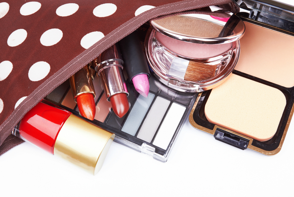 8 Best Multitasking Travel Beauty Products: Fly Carry-On Every Time!