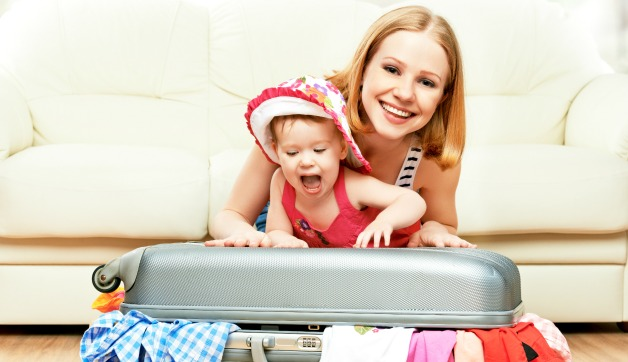 New Mom Fashion Tips: What to Wear When Traveling with Your Little One