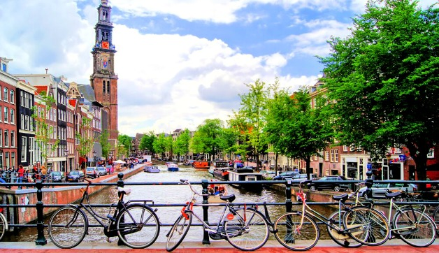 What to Pack for Amsterdam in Summer: 6 Style Ideas Anyone Can Copy