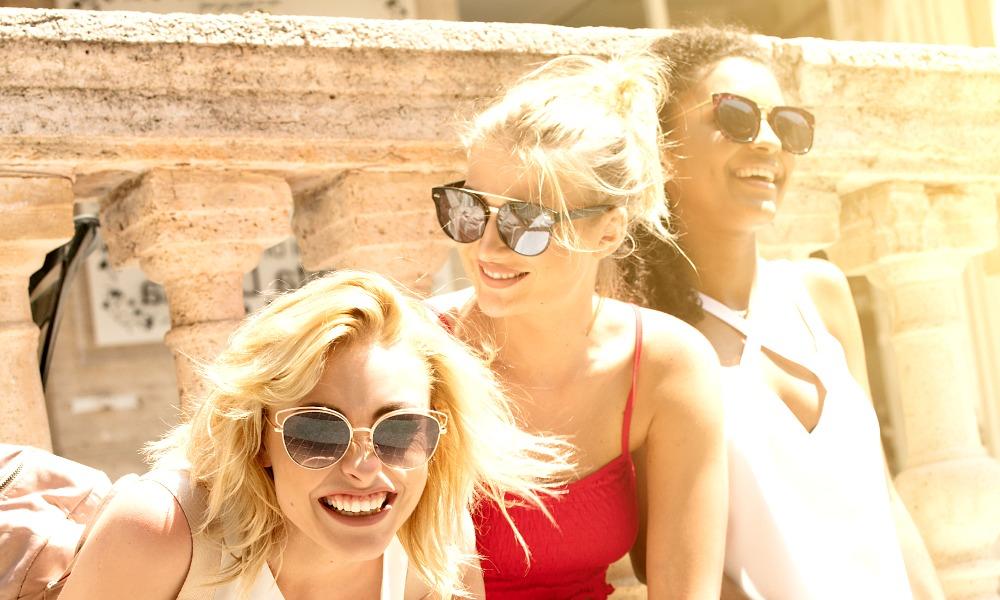 Benefits of Polarized Sunglasses for Women Plus 10 Stylish Shades