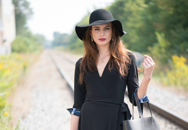 On the Hunt for Versatile, Comfortable Womens Travel Clothing? Find it Here