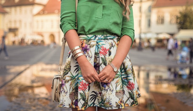 Maximize Your Travel Clothing with These Tips on Mixing Prints