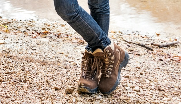 How to Choose the Best Hiking Shoes for Women