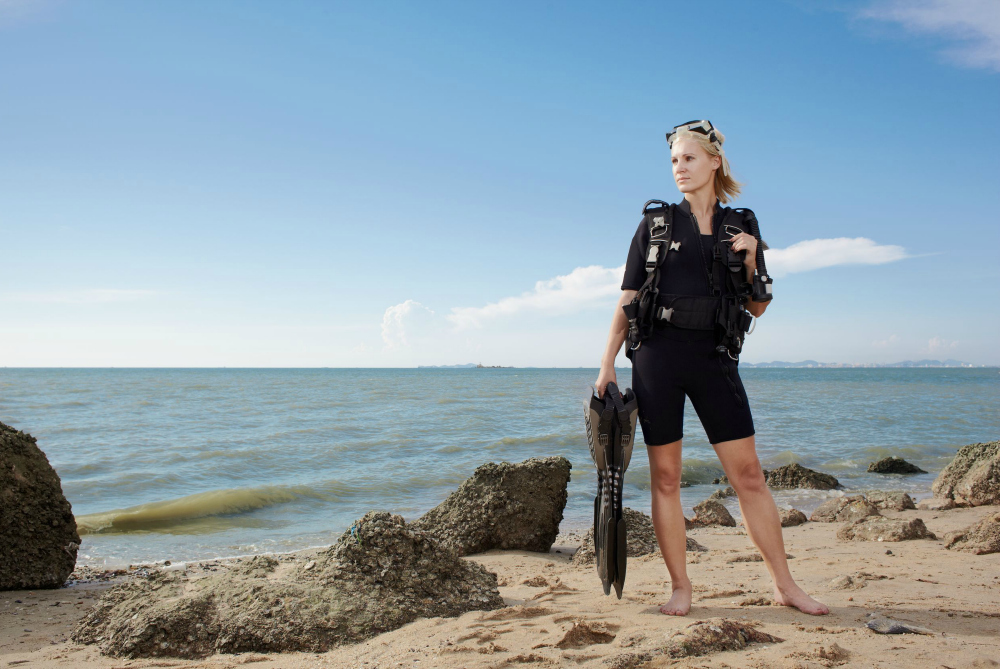 What's the Most Lightweight Travel Scuba Gear for Female Divers?