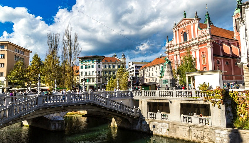 What To Wear In Slovenia Cities Mountains And Lakes