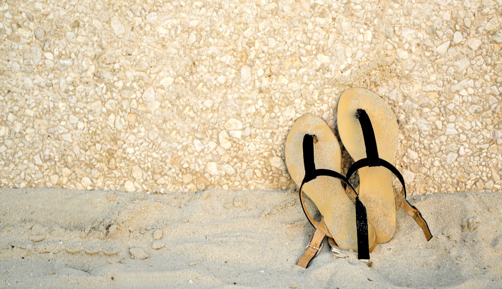 10 Stylish Dress Sandals for your Beach Getaway