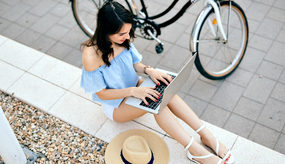 10 Stylish Bloggers to Copy on Your Summer Vacation