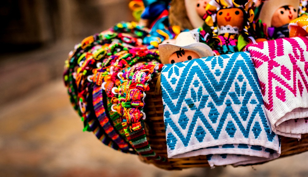 5 Tips On How to Shop Ethically While Traveling