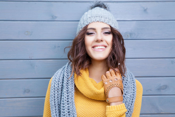 8 Different Ways to Wear A Scarf when You Travel