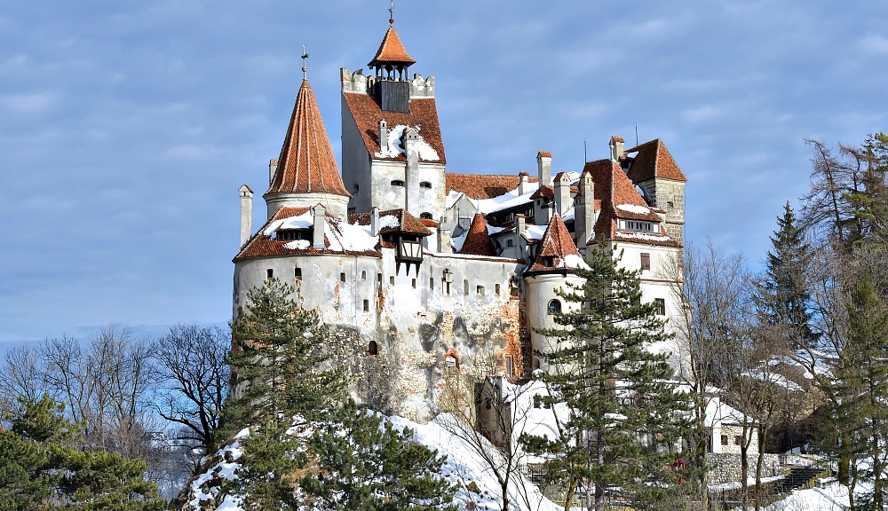 What to Wear in Romania in Fall and Winter: A Packing List