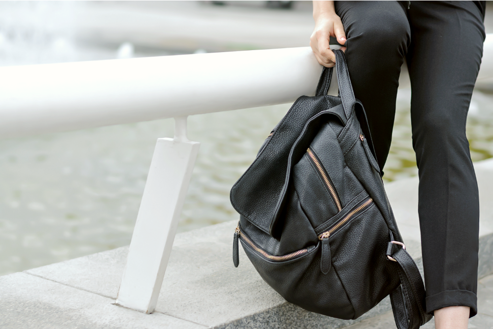 What to Pack in Your Day Bag for Sightseeing