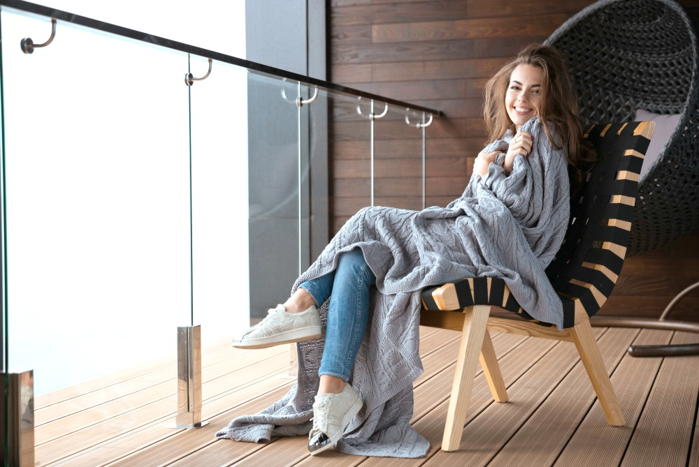Best Travel Blankets According to the Experts – Our Readers!