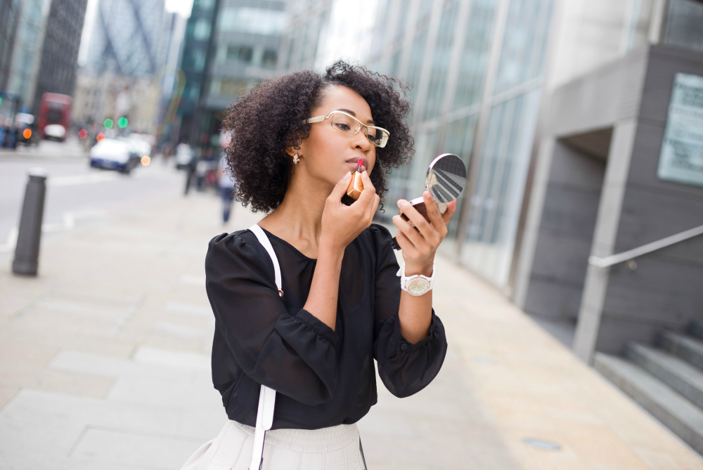 What's the Best Travel Mirror? This is the #1 Choice