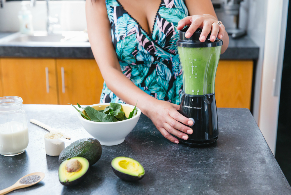 What's the Best Portable Blender for Travel? 9 Small Options