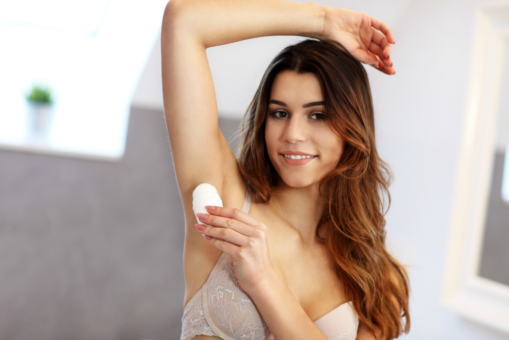 Best Travel Deodorant for Women to Stay Fresh on Any Adventure