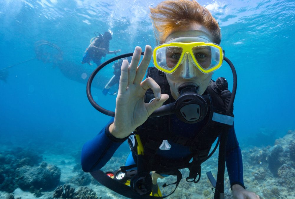 Best Snorkel Masks and Scuba Masks for Women's Oceanic Adventures